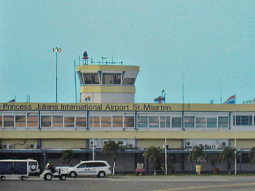 juliana airport.jpg
