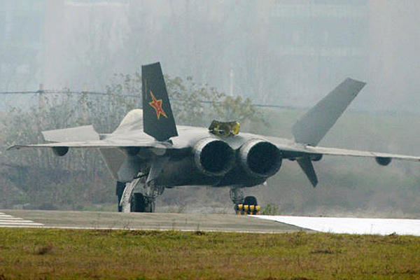 0105-j-20-stealth-fighter-china_full_600.jpg