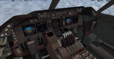 747panel ngón tay cái